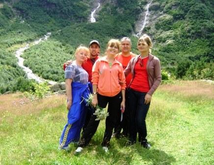 Всей семьей - в горы Осетии!