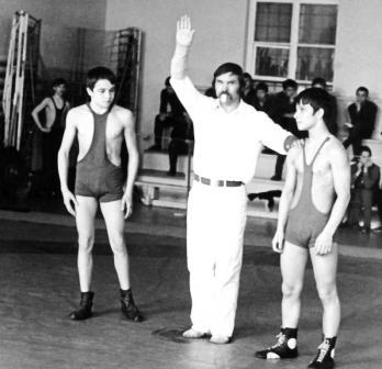 Один из первых выездных стартов 13-летнего Таймураза (слева) состоялся в Чебоксарах.