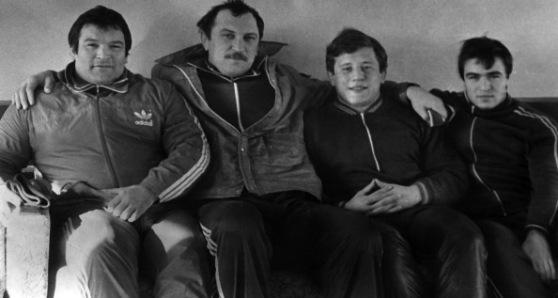 Легендарное поколение победителей. Слева направо: Салман Хасимиков, Сослан Андиев, Санасар Оганесян, Таймураз Дзгоев. 1983 г.