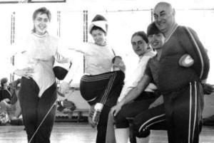 Слева направо: Ирина Караева-Кесаева, Ольга Слуцкер, Лариса Цагараева, Марина Караева, Владимир Иванов.