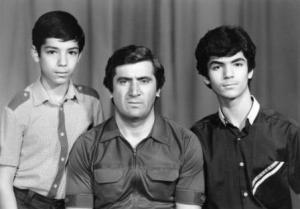 Папа и сыновья - спортивная семья.