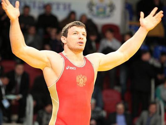 Рустам ТОТРОВ стучится в олимпийский Лондон