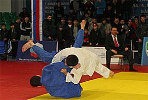 Девять золотых медалей привезли дзюдоисты Осетии из Грозного