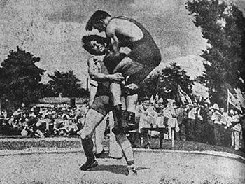 Так проходили поединки по вольной борьбе в 1958 г.