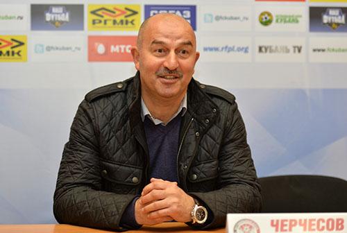На послематчевой пресс-конференции у Станислава Черчесова было прекрасное настроение.