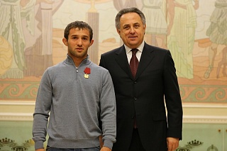 Виталий МУТКО вручил Бесику КУДУХОВУ медаль ордена «За заслуги перед Отечеством» I степени