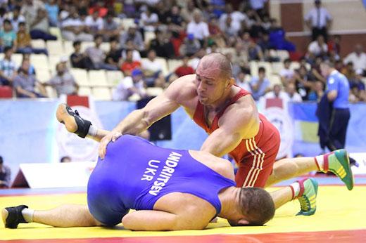 Финальный поединок против украинского олимпийца Хетаг Гозюмов провел в атаке.