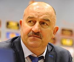 Станислав ЧЕРЧЕСОВ: «Вокруг сборной много негатива. Победой в Австрии его можно убрать»